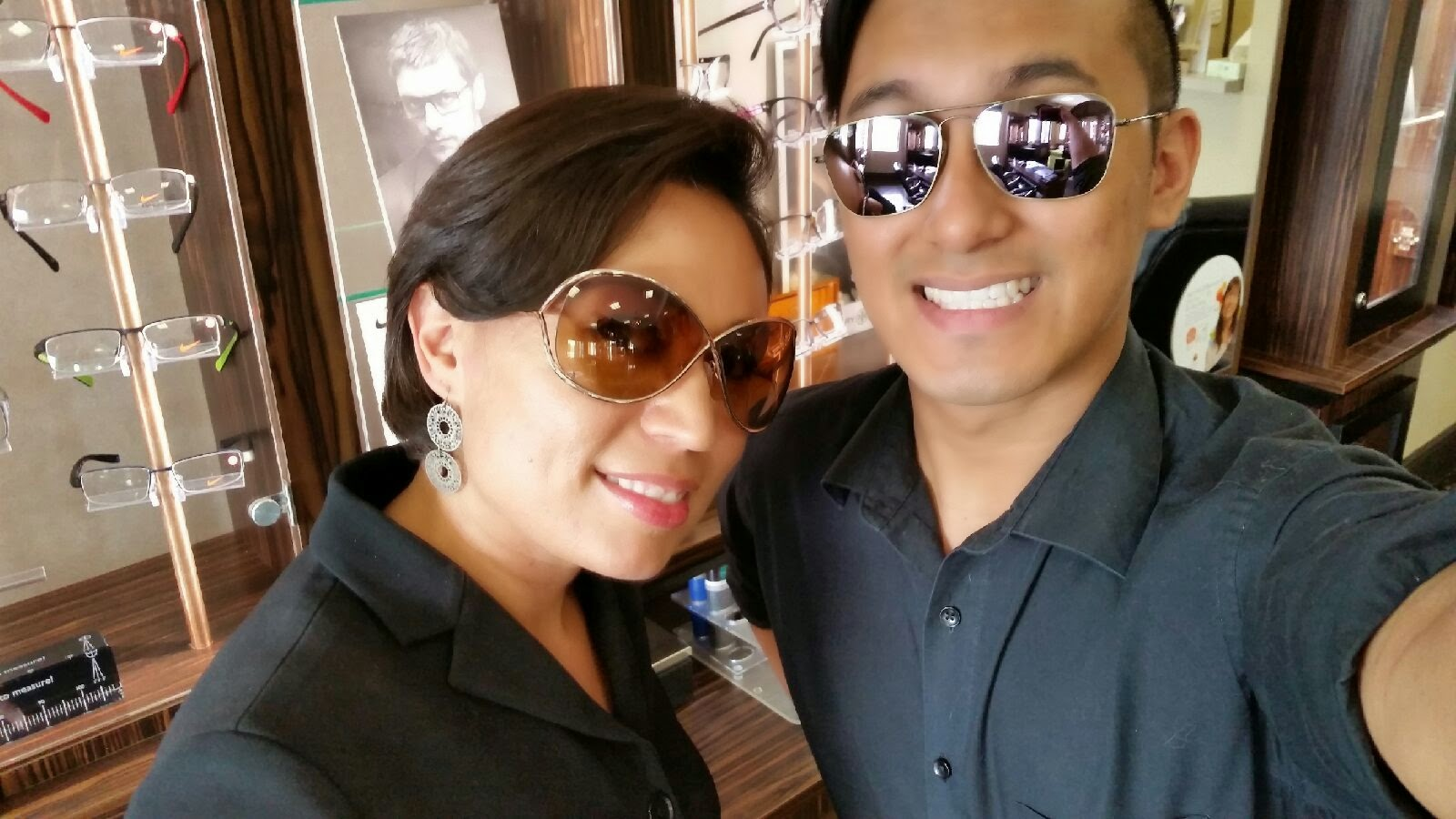 049a5f2c6b Oh look! Eyewear  Oh Look! Me and Cindy wearing Ray Ban and Tom Ford