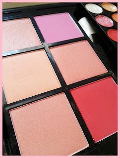 Avon Expert Mega Palette
