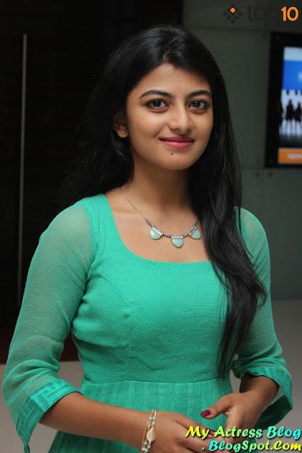 Trisha Illana Nayanthara Screen Anandhi In Light Blue -9803