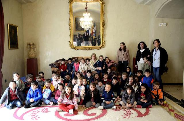 http://www.lavozdelsur.es/50-anos-del-alfonso-x-un-colegio-publico-bilingue-tic-con-aula-matinal