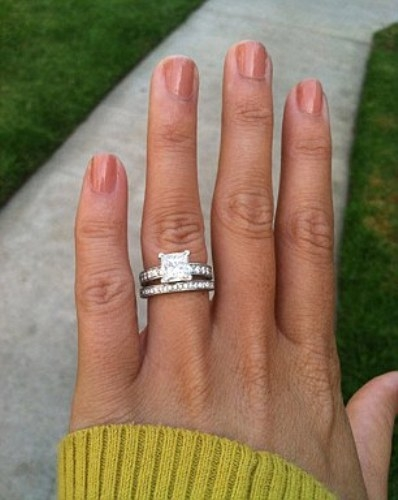 What Finger Does Man Wear Wedding Ring