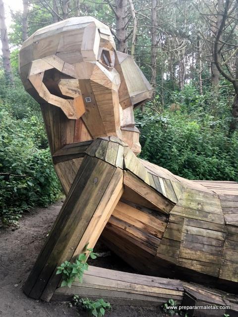 Bucar gigantes de madera Copenhague