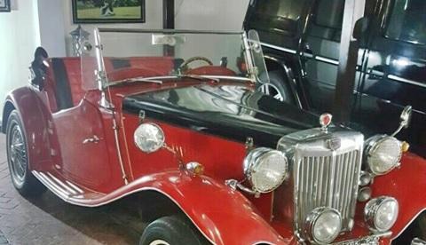As Recession Bites Harder, Popular Nigerian Senator Buys N180 million Rolls Royce Luxury Car (Photos)