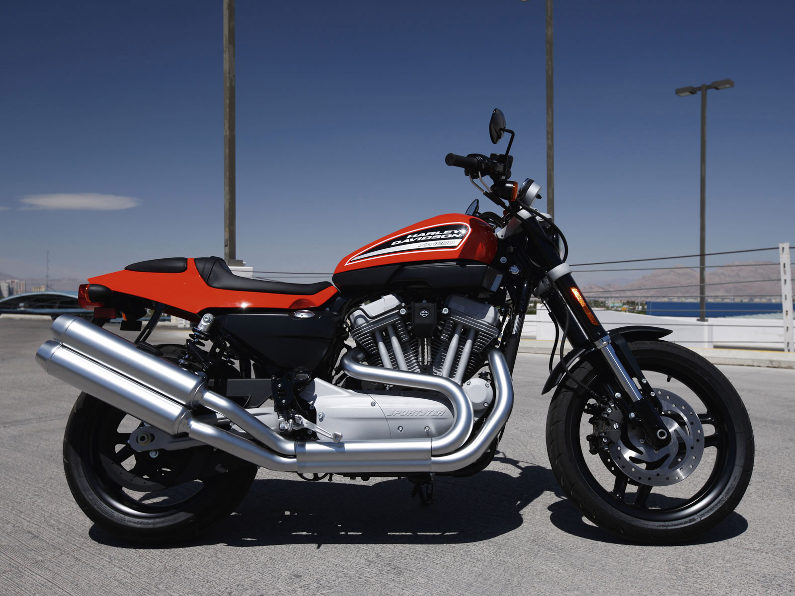 Harley Davidson: HARLEY-DAVIDSON XR1200 Motorcycle Review Wallpapers