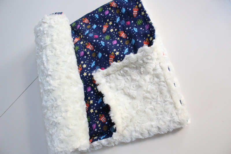 15 Minute Baby Minky Blanket - Sew What, Alicia?
