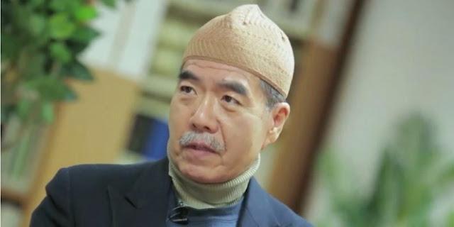 Subhanallah, Keturunan Biksu Ini Masuk Islam Setelah Kaji Koleksi Buku Agama Milik Ayahnya