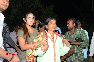 Actress Sri reddy (apthatrust director) Distrubuted Blankets for Orphans at Sai Baba Temple  0049.JPG