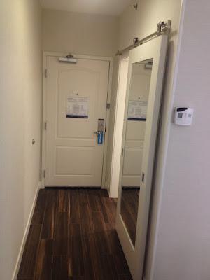 Hampton Inn Albany entry hallway
