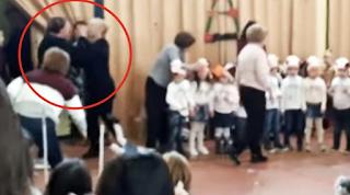 Ιταλία: Μαμάδες πλακώθηκαν στο ξύλο στη χριστουγεννιάτικη γιορτή του σχολείου