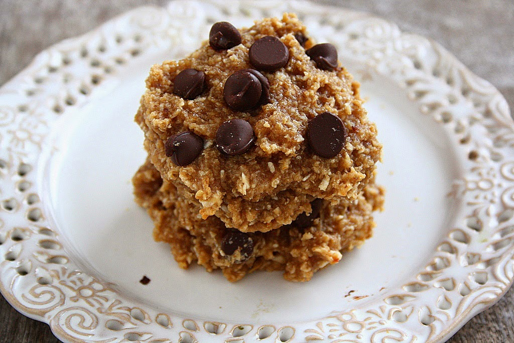 SOFT PB BANANA OATMEAL COOKIES