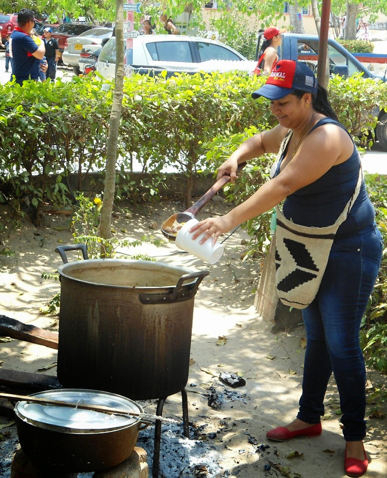 En los 100 a os de la escuela normal superior la hacienda for Cocinar a 40 grados