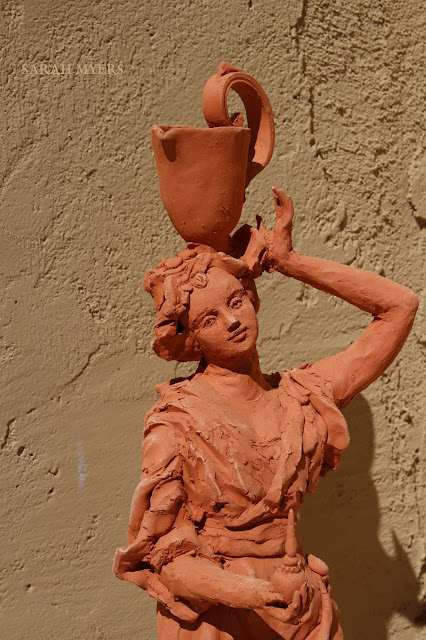 art, arte, kunst, sculpture, escultura, scultura, skulptur, Sarah, Myers, woman, water, pitcher, terracotta, red, earthenware, lady, baroque, contemporary, beautiful, elegant, figurative, artist, rapid, sculptor, sculpting, clay, earthenware, perfume, flask, vessel, agua, design, hands, close-up, poise, grace, bottle, vase