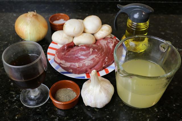 Ingredientes para solomillo en salsa de champiñones