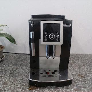 Máy pha cà phê Delonghi Ecam 23.220.B đã qua sử dụng