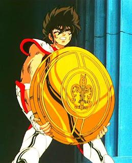 En el anime de Saint Seiya aparece el escudo de Atena sin el gorgoneion
