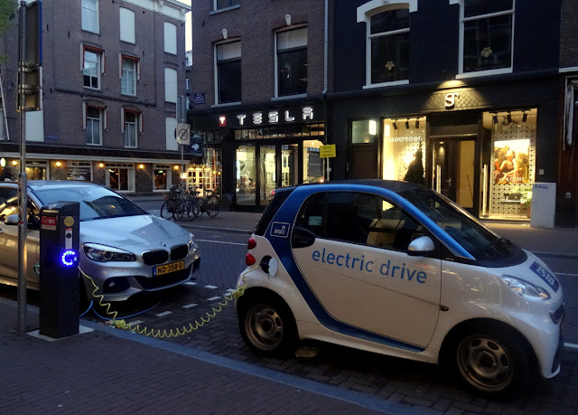 Electric Car on PC Hooftstraat