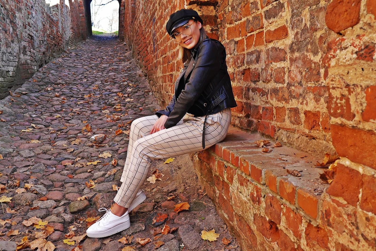 plaid pants turtle neck sweater biker jacket outfit karyn modowe stylizacje blog modowy damski blogerka modowa
