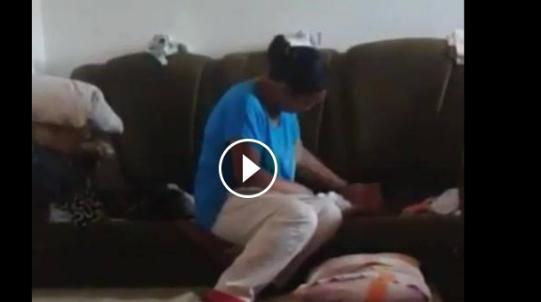 خادمة تستغل رحيل الوالدة وما تفعله بالطفل لا يصدق أبداً مشاهد ليست لأصحاب القلوب الضعيفة !
