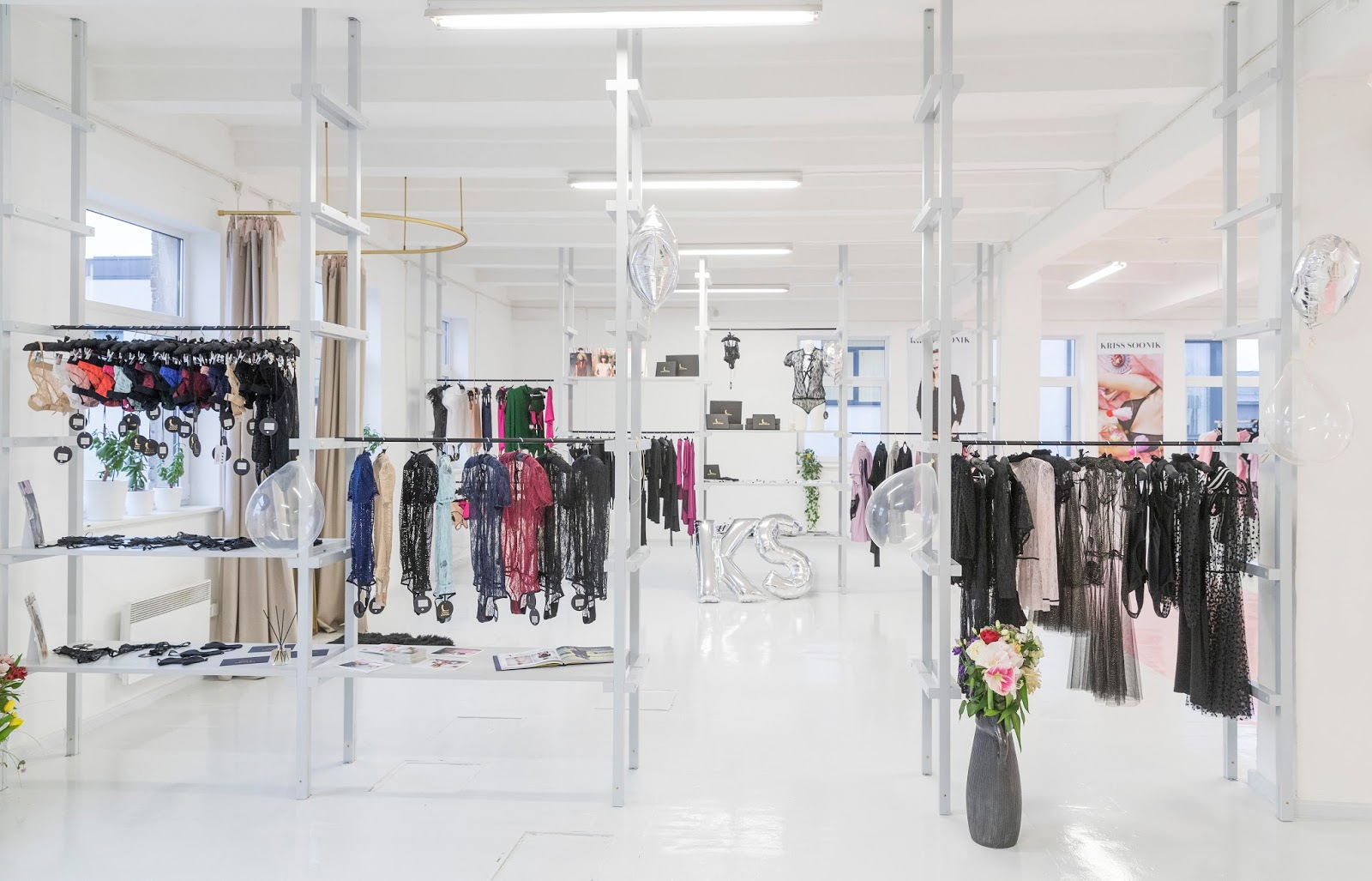 KRISS SOONIK SHOWROOM TALLINNAS