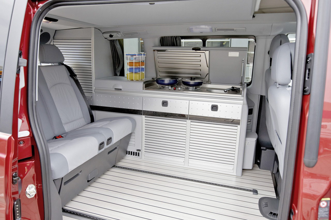 automotiveblogz mercedes benz sprinter caravan concept. Black Bedroom Furniture Sets. Home Design Ideas