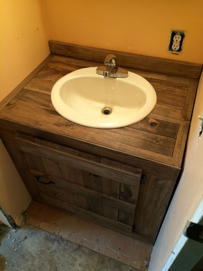 What a great ideas 60 bathroom pallet projects on a for Bathroom ideas made from pallets