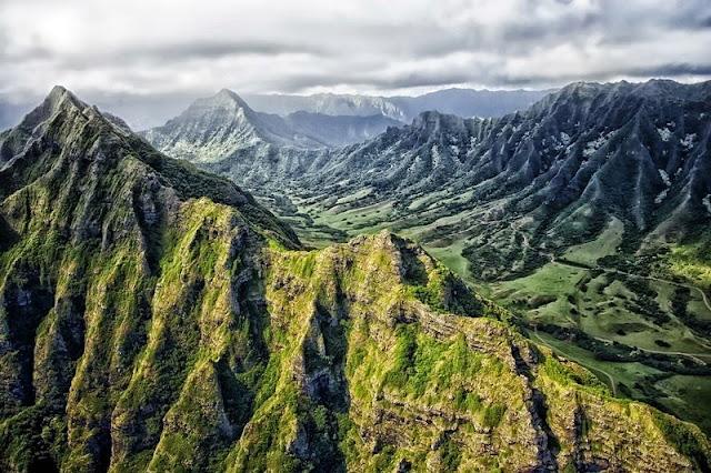 scenery of Hawaii Mountain