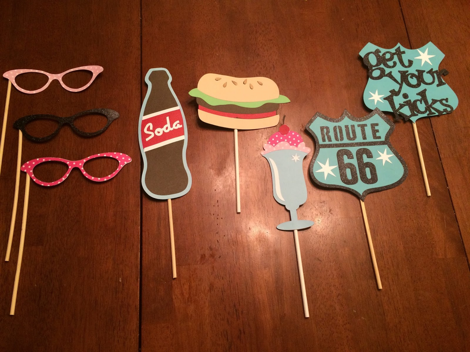 Craft Time And Cupcakes 50s Party With Cherry Cola Cupcakes