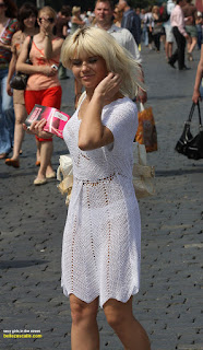 rubia-vestido-transparente