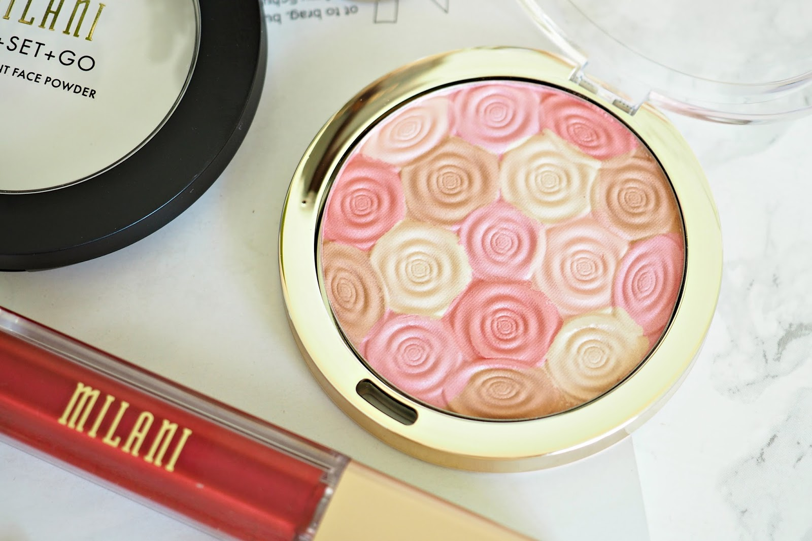 Milani Illuminating Face Powder - shade 03