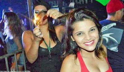 Lustige gemeine Menschen - Haare anzünden - Party Bilder witzig