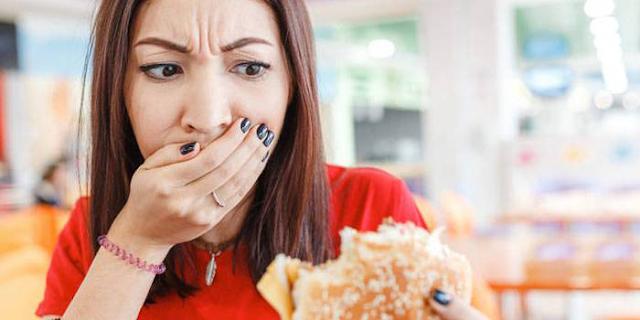 खाने में बाल से क्या बीमारियां होतीं हैं: NIST ने बताया | HEALTH NEWS