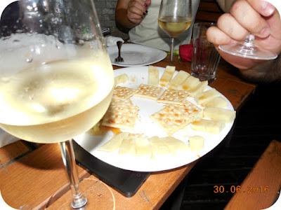 Sauvignon Blanc, branza de Horezu si miere