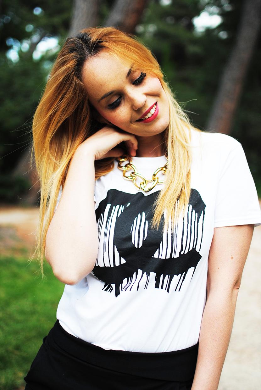 SNB BLOG, Falda Papiro Negra, Camisa simbolo Chanel, Chanel
