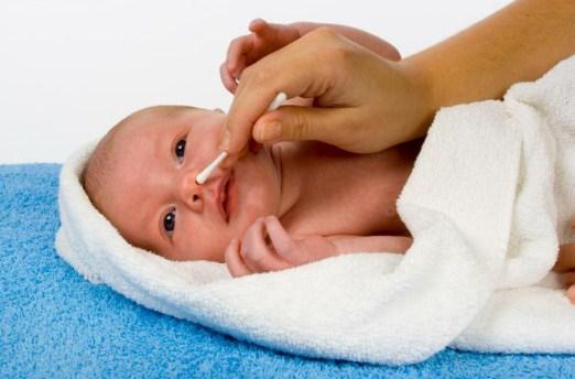 3 Jenis Alat Pembersih Hidung yang Aman untuk Bayi