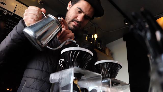 kerja barista di cafe