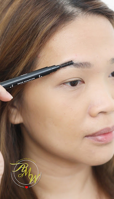 a photo of BLK Cosmetics Brow Sculpting Pencil Duo Review in Taupe by Nikki Tiu of AskMeWhats.com