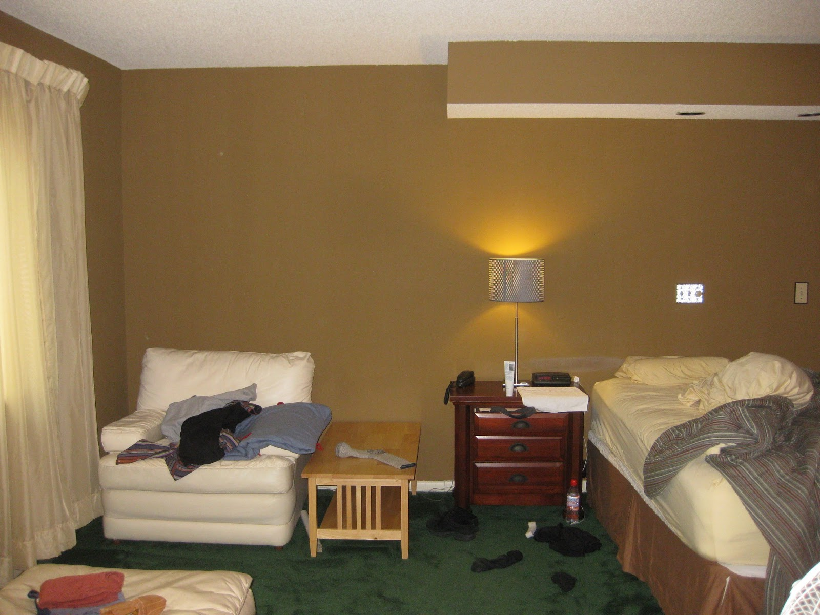 Decorating With Hunter Green Carpet | Decoratingspecial.com