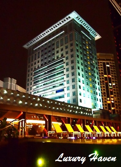 grand park orchard hotel bar canary pool skyline