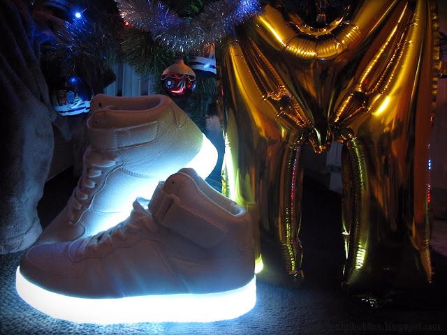Buty z podeszwą LED