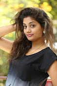 Karuna photos in jeans-thumbnail-4