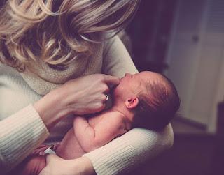 benefits of breastfeeding,breastfeeding benefits for mother and baby,breastfeeding for baby brain development