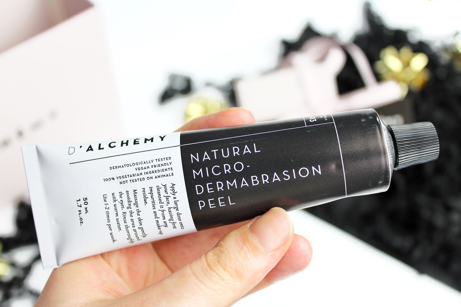 D`Alchémy, Natural Micro-Dermabrasion Peel - Złuszczająca dermabrazja z polską marką
