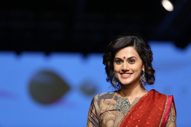 Taapsee Pannu at Lakme Fashion Week 2017
