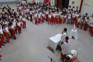 Missa no colégio celebra Nossa Senhora de Fátima