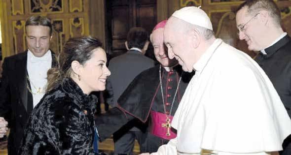 """""""ساندرا فهمي عزب"""" المصرية الوحيدة بأكاديمية الفاتيكان"""