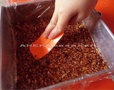 Enting - Enting Kacang Tanah Renyah Manis Gula Merah