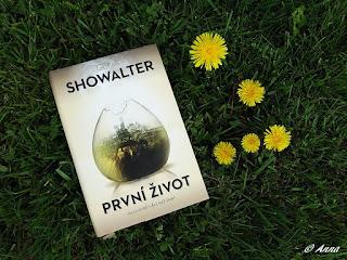 Showalter napsala krásnou knihu yung adult, která se bude líbit jak dětem tak dospělým