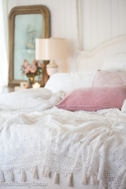 3 reasons why I love this crochet lace bedding
