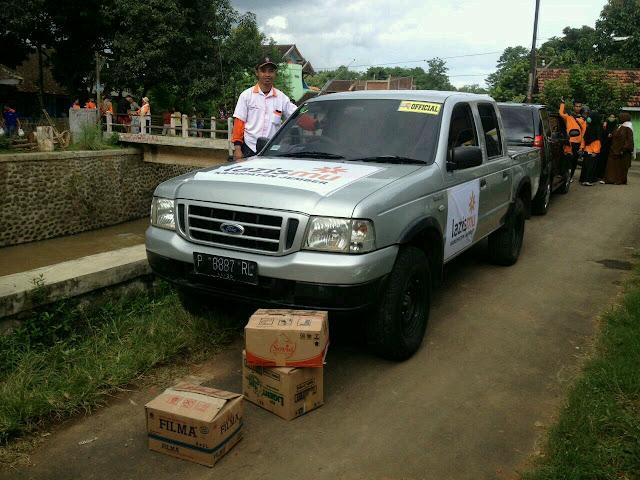 Armada dari donatur lazismu untuk membantu distribusi logistik