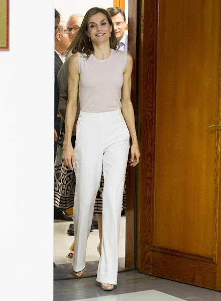 Princess of Asturias Foundation, Queen Letizia wore Hugo Boss trousers, tops, wore Magrit shoes, Tous Jeweler diamond earrings